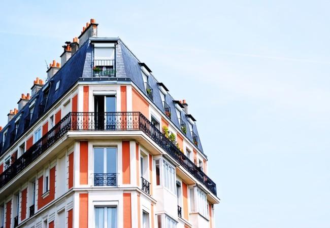 Bostadspriserna uppåt i januari men för tidigt att tala om ett trendbrott