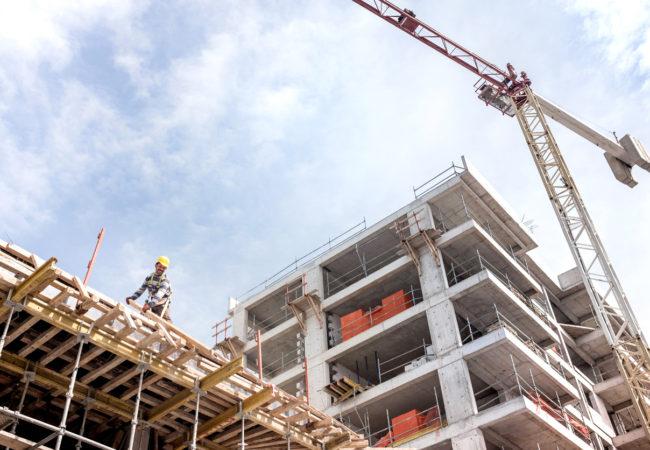 Tecknen på en annalkande kris i byggbranschen hopar sig
